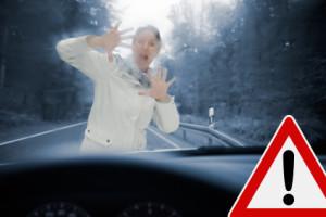 Fahren Sie vorsichtig für die Sicherheit. Sonst kann ein Schmerzensgeld bei einem Autounfall mit Personenschaden enstehen.