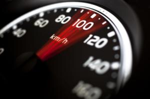Die Geschwindigkeit von einem Motorrad wird häufig unterschätzt.