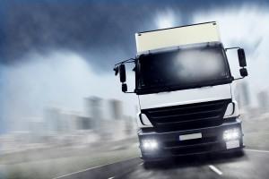 Ein LKW-Unfall ist in jedem Fall mit einer großen Gefahr für den Menschen verbunden.
