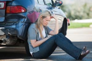 Bei unterlassener Hilfeleistung sind die Unfallopfer auf sich allein gestellt. Daher ist Zivilcourage gefragt!