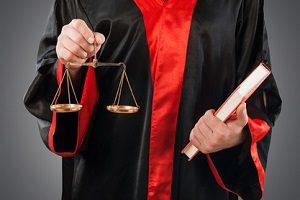 Bei der Suche nach einem guten Verkehrsrechtsanwalt kann die Rechtsanwaltskammer helfen.