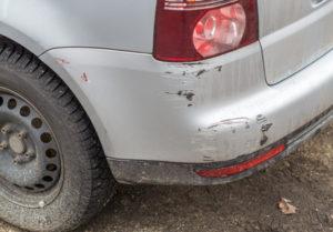 Die Teilschuld an einem Unfall wird, auch bei kleinen Sachschäden, von der Versicherung festgestellt.