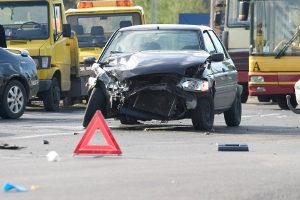 Auch wenn Sie kein direkter Unfallbeteilligter sind: Erste Hilfe müssen Sie dennoch leisten!