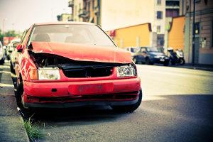 Wer zahlt den Schaden am Fahrzeug nach einem Unfall wegen einer Ölspur?