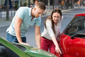 Was passiert bei einem Verkehrsunfall ohne Fremdschaden? Mit welchen Konsequenzen ist zu rechnen?