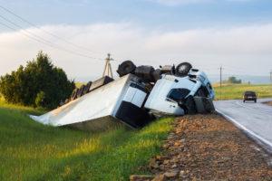 Nicht selten verlieren Fahrer die Kontrolle und landen im Graben