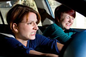 Sehr oft hat ein Autounfall ein Schleudertrauma zur Folge