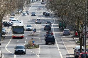 Schulbus, Linienbus, Reisebus: Ein Unfall mit den langen Gefährten ist nicht auszuschließen