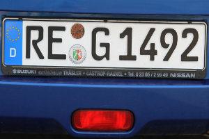 Unfall mit ausländischem Auto: Häufig reicht als Kennung auch das Kennzeichen aus